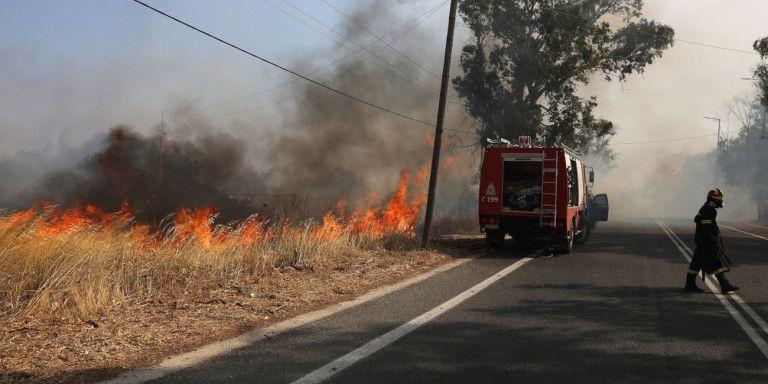 Χωρίς ενεργά μέτωπα η φωτιά στην Ανάβυσσο