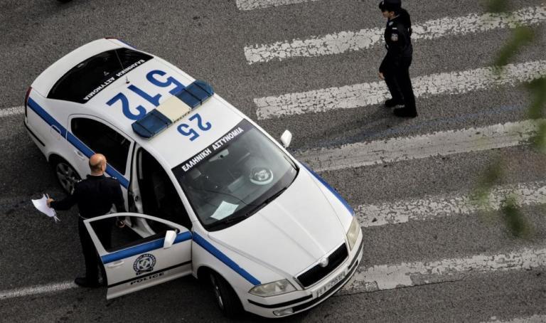 Επ' αυτοφώρω σύλληψη σπείρας για διαρρήξεις οχημάτων σε Αργυρούπολη και Άλιμο