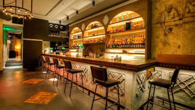 Τα δύο αθηναϊκά μπαρ που βρίσκονται μόνιμα στη λίστα με τα καλύτερα του κόσμου