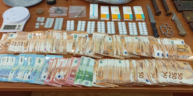 Δύο συλλήψεις για κατοχή και διακίνηση ναρκωτικών στα νότια προάστια