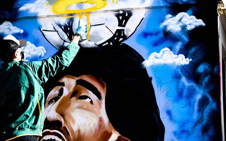 Το εντυπωσιακό street art στην Ηλιούπολη για τον Μαραντόνα