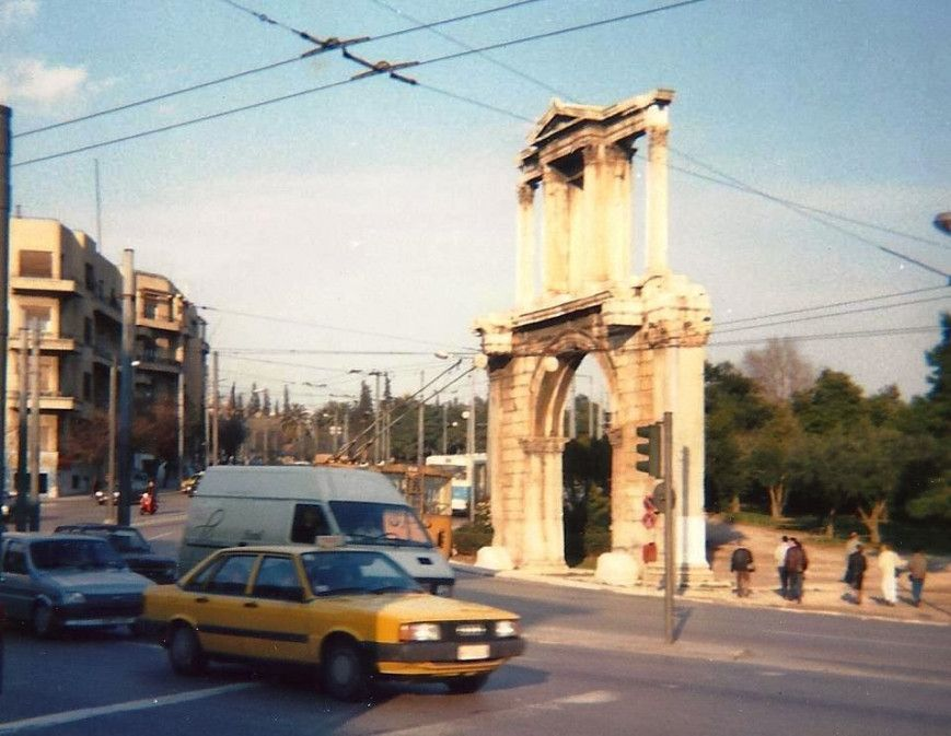 Νοέμβριος 1982: Καθιερώθηκε ο δακτύλιος στο κέντρο της Αθήνας