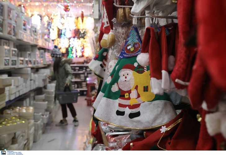 Τη Δευτέρα ανοίγουν τα καταστήματα με χριστουγεννιάτικα είδη - Παράταση έως τις 14 Δεκεμβρίου για το lockdown