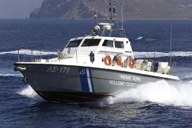 Υπαξιωματικός του Λιμεναρχείου Σαρωνικού συνελήφθη στη Γλυφάδα για εκβιασμό ψαρά