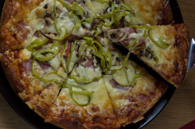 Η pizza του Μπάμπη είναι από τις πιο αγαπημένες των Αλιμιωτών