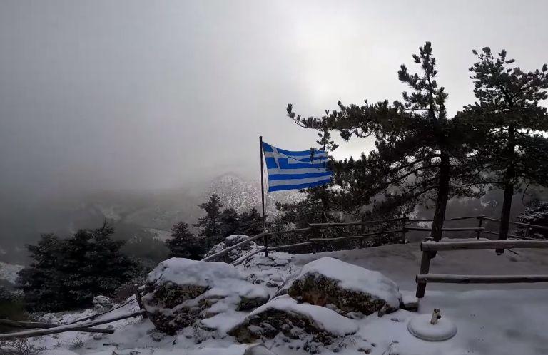 Ήρθαν τα πρώτα χιόνια στην Αττική