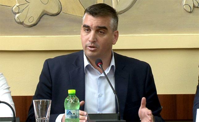 Το μήνυμα του Δημάρχου Ελληνικού – Αργυρούπολης, Γιάννη Κωνσταντάτου, για τις συμμορίες ανηλίκων