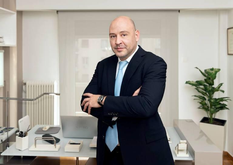 Ο Αλιμιώτης ιατρός Δημήτρης Ιλιάδης, διακρίθηκε στα Βραβεία Ιατρικής Αναγνωρισμότητας