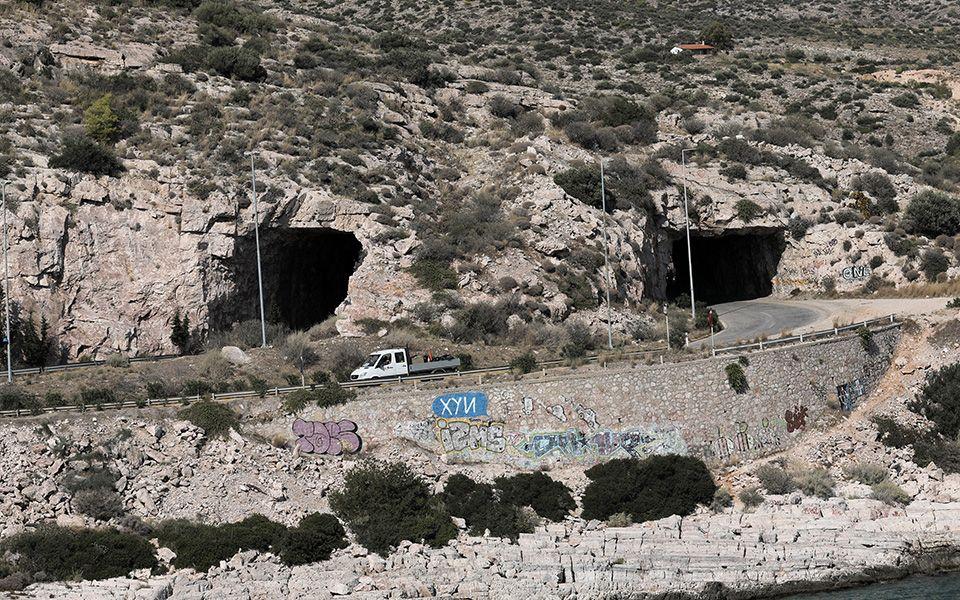 «Τρύπες του Καραμανλή»: Κλείνει για τέσσερις μήνες ο δρόμος λόγω έργων