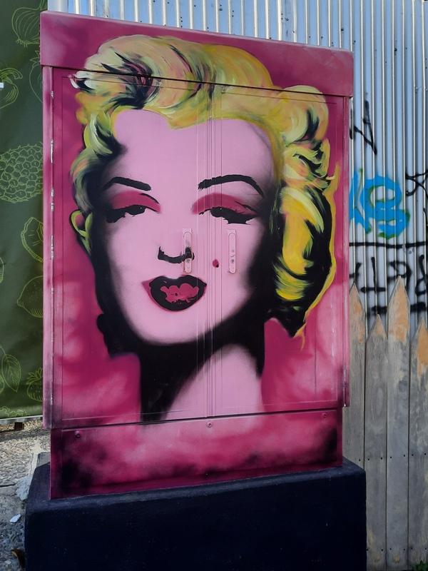 Η Marilyn Monroe σε ένα ΚΑΦΑΟ του Αλίμου