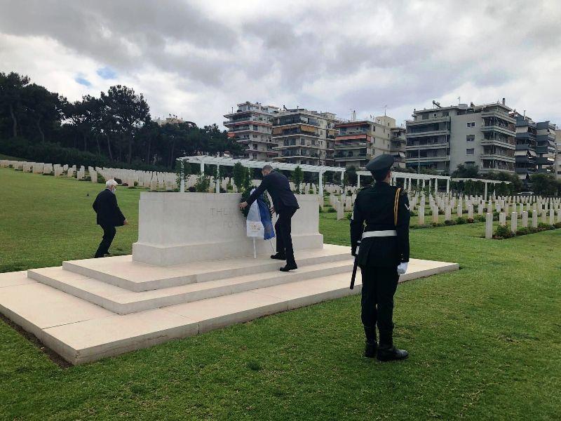 Anzac Day στο Συμμαχικό Κοιμητήριο: Κατάθεση στεφάνου από τον Πρέσβη της Αυστραλίας