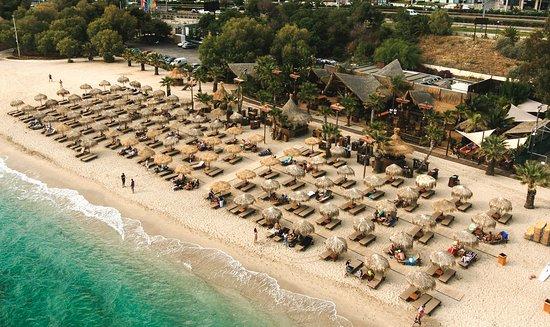 Το Σάββατο θα ανοίξουν τελικά οι οργανωμένες παραλίες