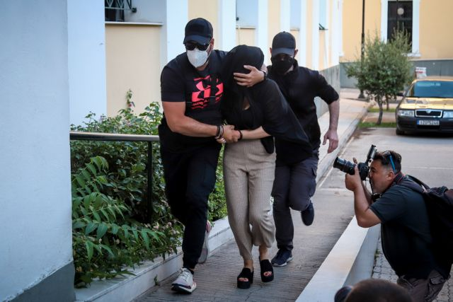 Eπίθεση με βιτριόλι στην Καλλιθέα: Για απόπειρα ανθρωποκτονίας κατηγορείται η 36χρονη