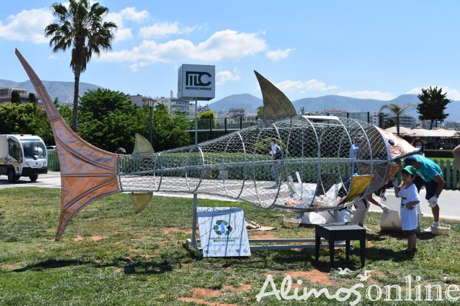 H δήλωση του Δημάρχου Αλίμου, Ανδρέα Κονδύλη, για το ανακυκλόψαρο στην παραλία