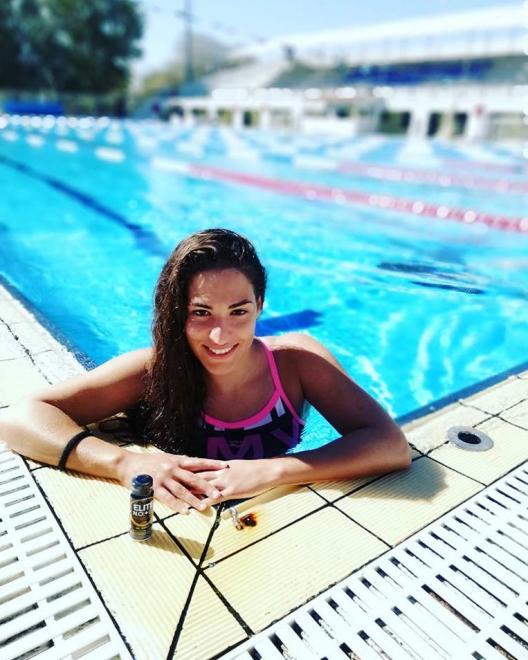 Η πρωταθλήτρια Ευρώπης, Ειρήνη Δεληγιάννη, στο Δημοτικό Κολυμβητήριο Αλίμου