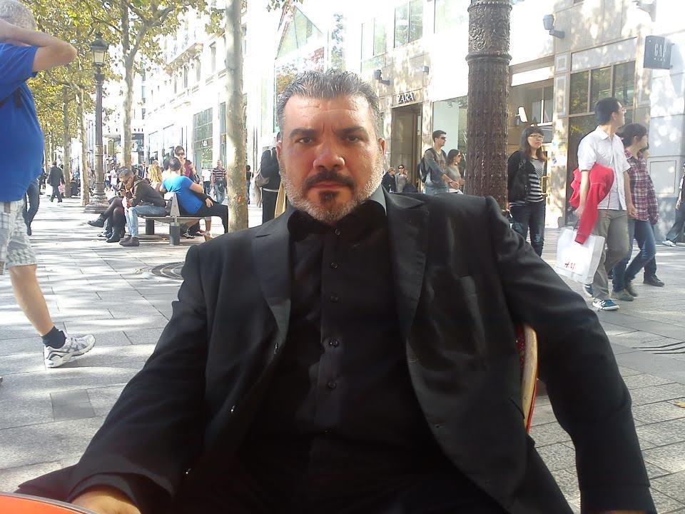 Ο Αλιμιώτης Γιώργος Μπαρδάκας συμμετέχει στην εικαστική έκθεση «Ο Πόλεμος των Κουμπιών»