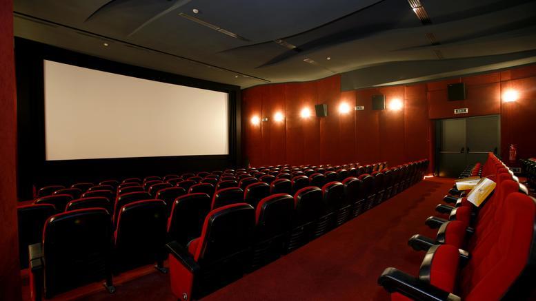 Πότε ανοίγουν οι κλειστοί κινηματογράφοι, οι παιδότοποι και τα λούνα παρκ