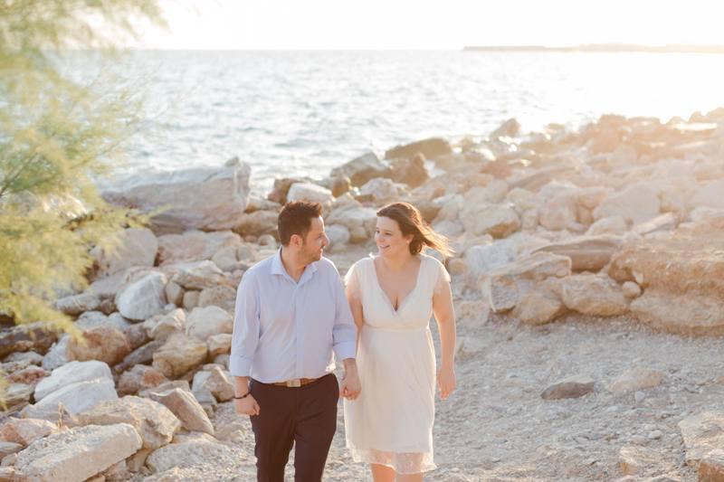 Η παραλία Αλίμου αποτελεί ένα υπέροχο σημείο για γαμήλιες φωτογραφίες
