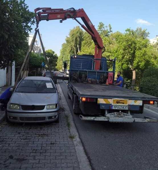 Κι άλλα εγκαταλελειμμένα αυτοκίνητα απομακρύνθηκαν από τους δρόμους της πόλης μας