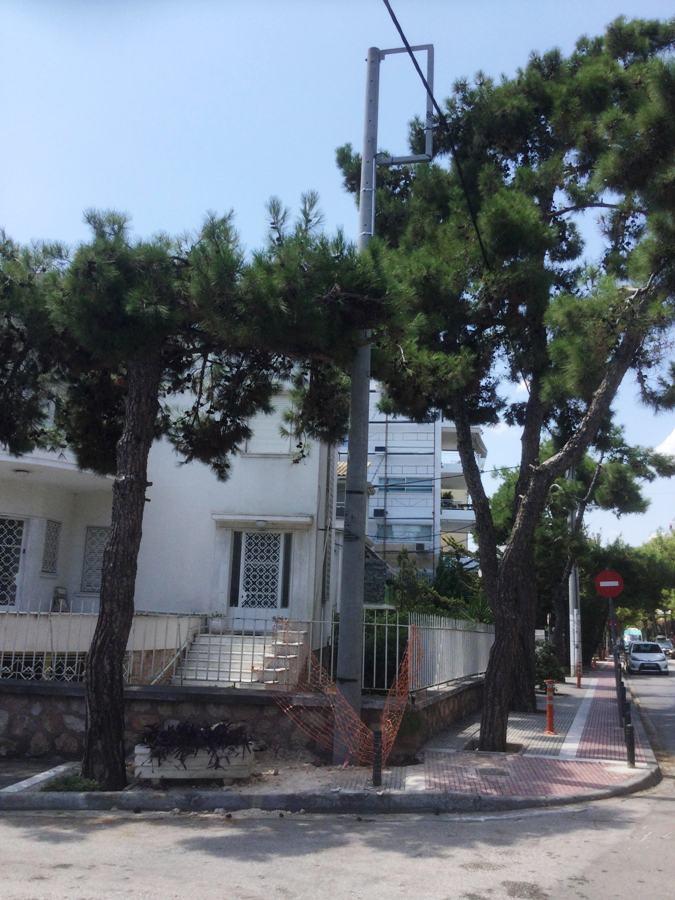 Νέα κολώνα οδοφωτισμού στην οδό Θουκυδίδου