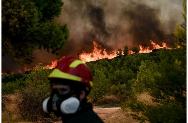 Έσβησε η φωτιά στο Σούνιο - Εμπρησμό καταγγέλει ο Δήμαρχος